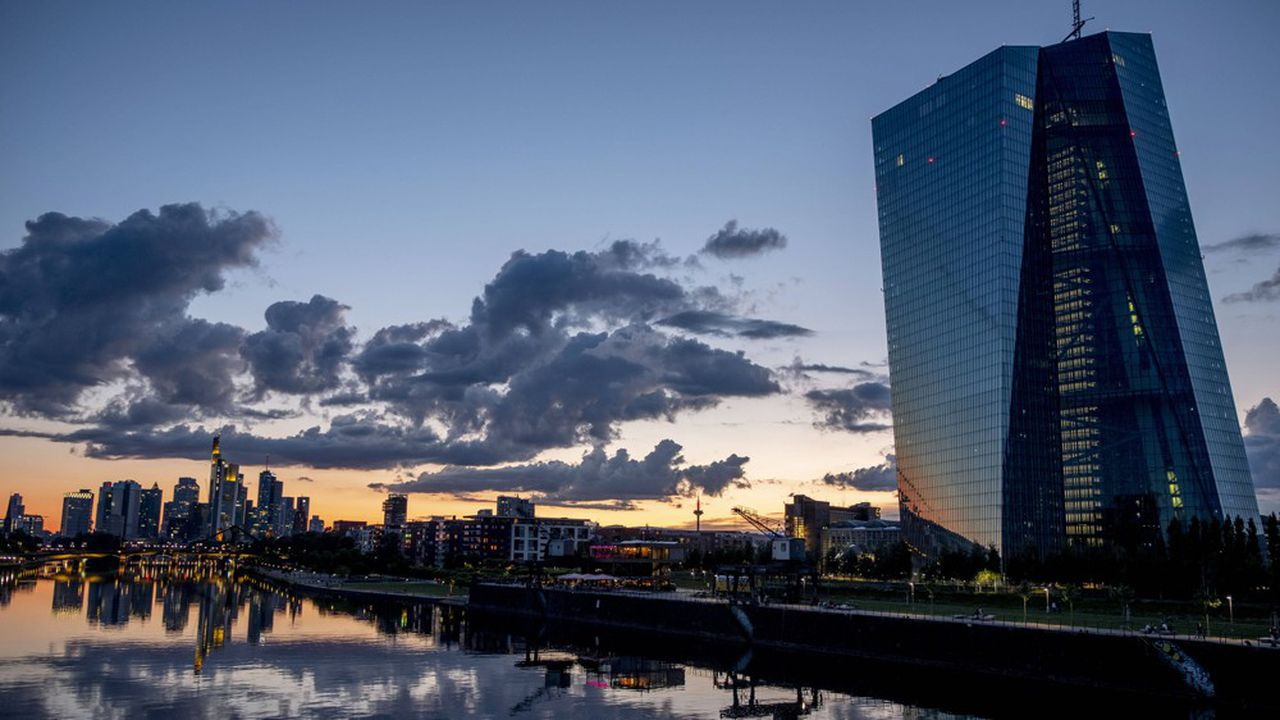 La BCE interroge les banques chaque trimestre sur les conditions d'octroi de crédit en Europe.