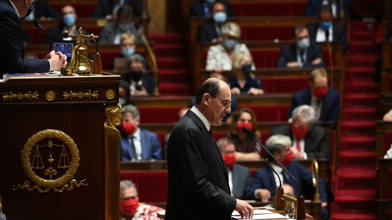 Jean Castex a lui évoqué le «règne de l'impuissance publique» avec des lois et des décrets qui «se perdent dans des méandres sinueux et opaques».
