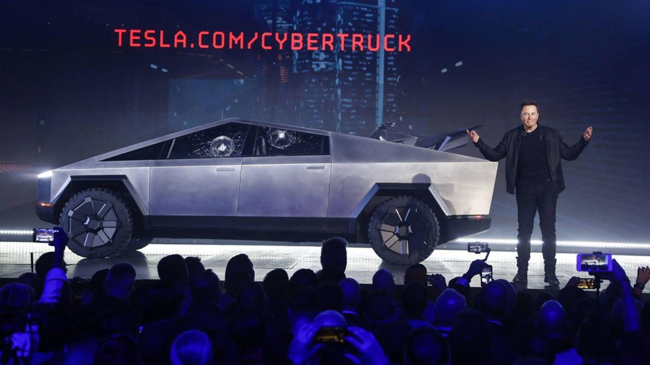 Le jeudi 9juillet, Elon Musk, directeur général de Tesla s'est engagé à ce qu'une voiture soit capable de se déplacer sans conducteur aux commandes d'ici la fin de l'année.