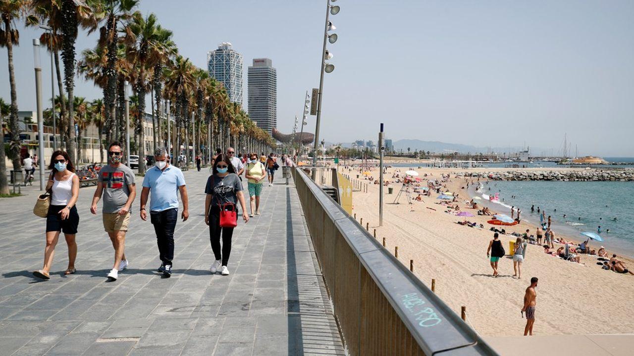 En Espagne, c'est à Barcelone que la préoccupation sanitaire face au coronavirus monte le plus, alors que le nombre de nouveaux cas vient d'être multiplié par trois en une semaine.