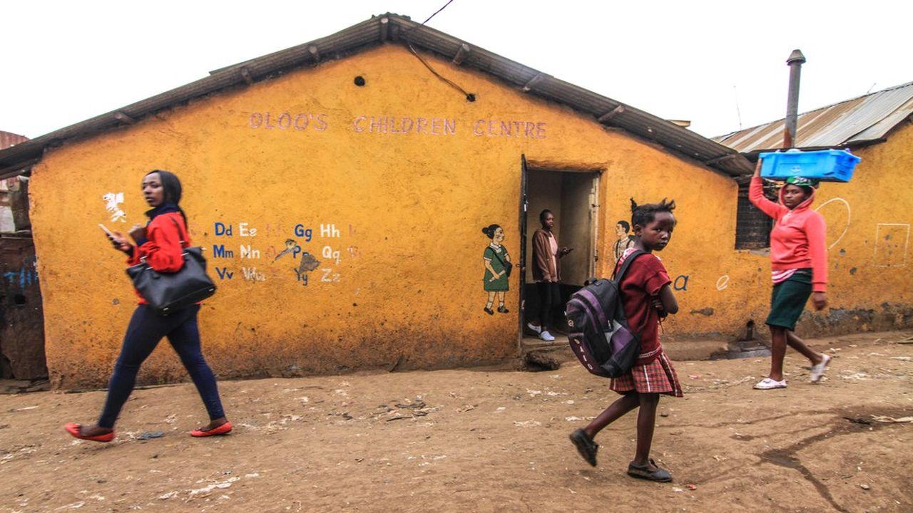 C'est par la libération des femmes des contraintes patriarcales, par leur accès à la contraception, à l'éducation secondaire et supérieure [...] que passent la réduction de l'impact écologique et même la survie de l'humanité