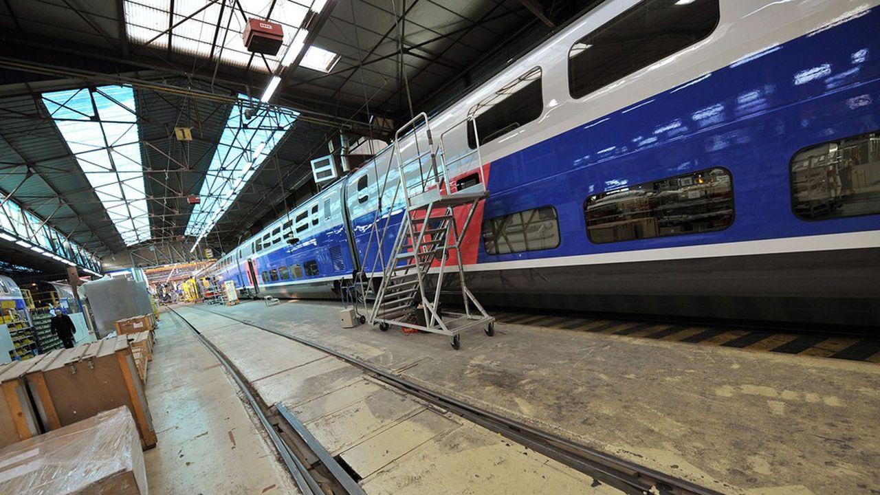 Dan son usine d'Aytré, Alstom boucle les dernières commandes de TGV Euroduplex, tout en lançant les pré-séries du futur modèle.