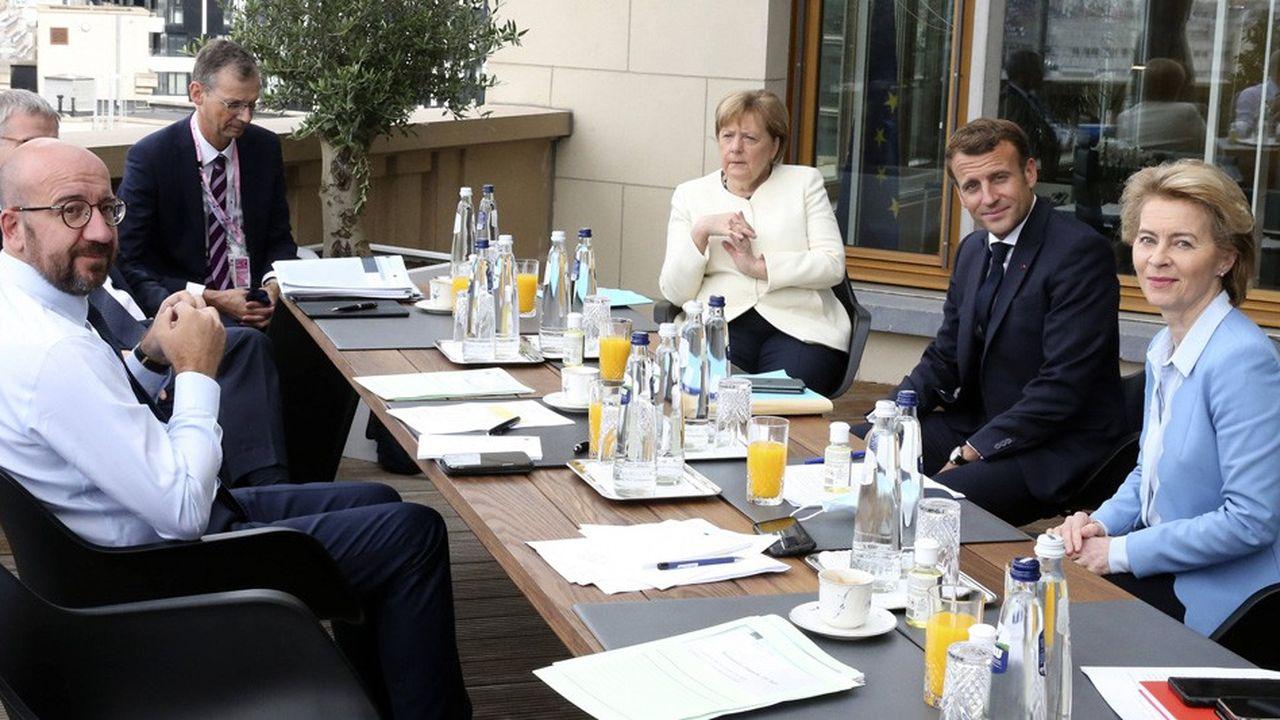 Ce dimanche, la chancelière allemande Angela Merkel a jugé «possible» que les 27, ne parviennent pas à s'entendre sur un plan.