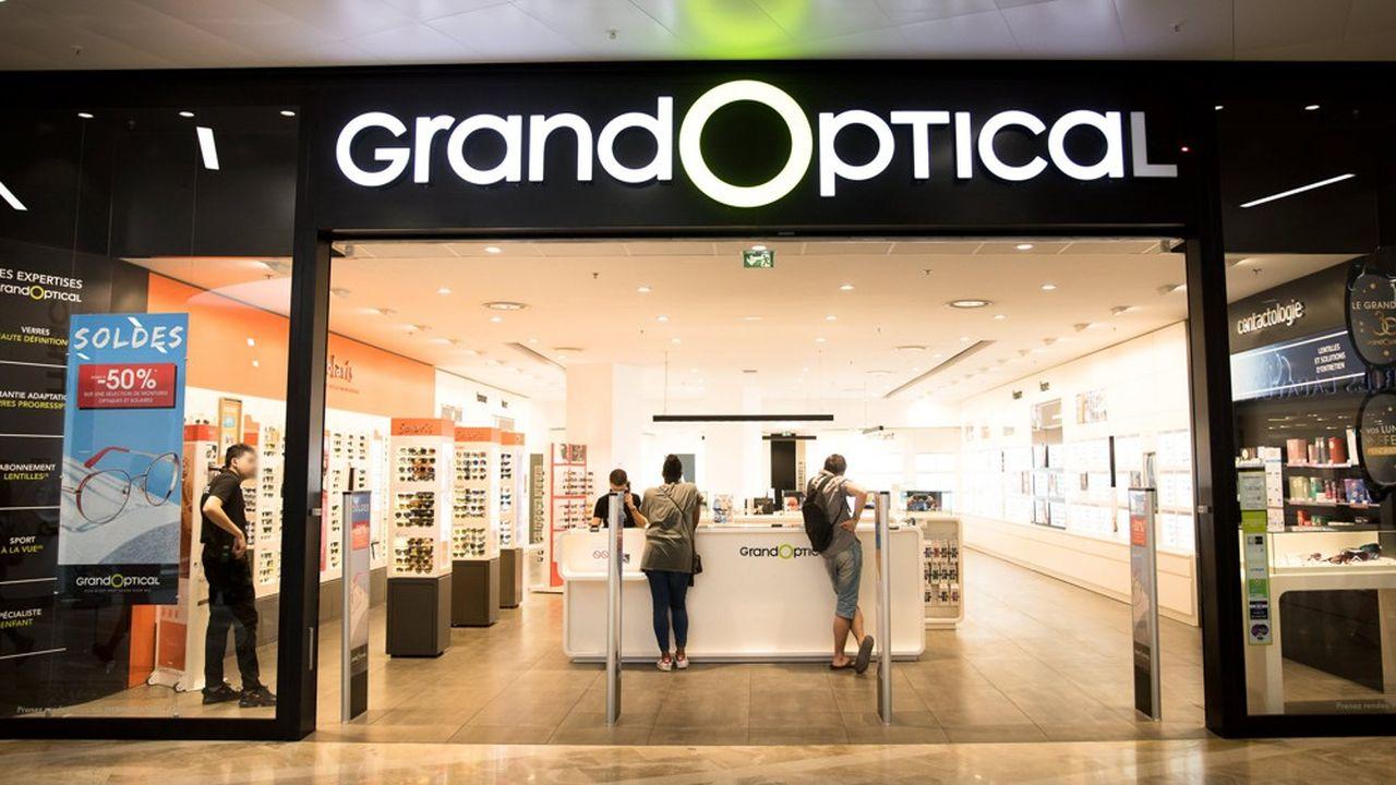 Un magasin de lunettes Grand Optical dans le centre-ville de Marseille.