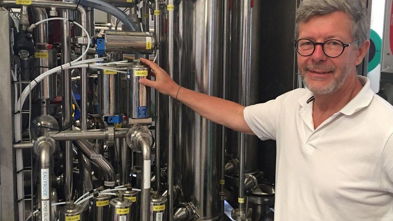 Les remorques de l'entreprise sont truffées de tuyaux, pompes d'alimentation et de circulation, système de rétrofiltration, membranes et autres technologies de pointe.