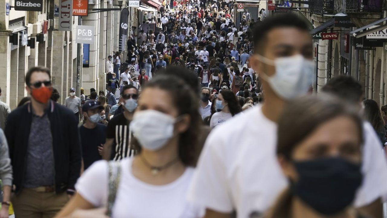 Le nouveau coronavirus a fait dix morts supplémentaires en 24heures en France pour un total de 30.182 décès depuis le 1ermars.