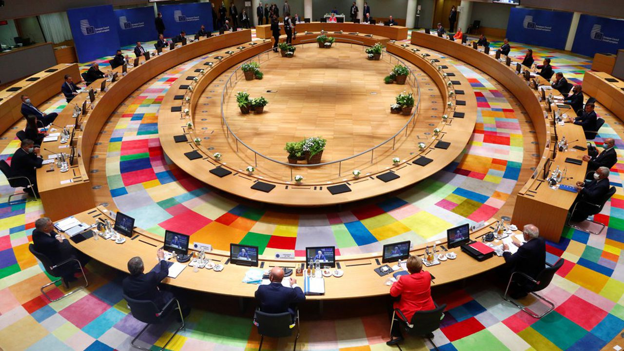 Après trois jours de tensions entre les cinq « frugaux » du Nord d'un côté, et les pays du Sud de l'autre, un relatif optimisme gagnait du terrain, lundi soir, chez les 27 réunis en sommet à Bruxelles.