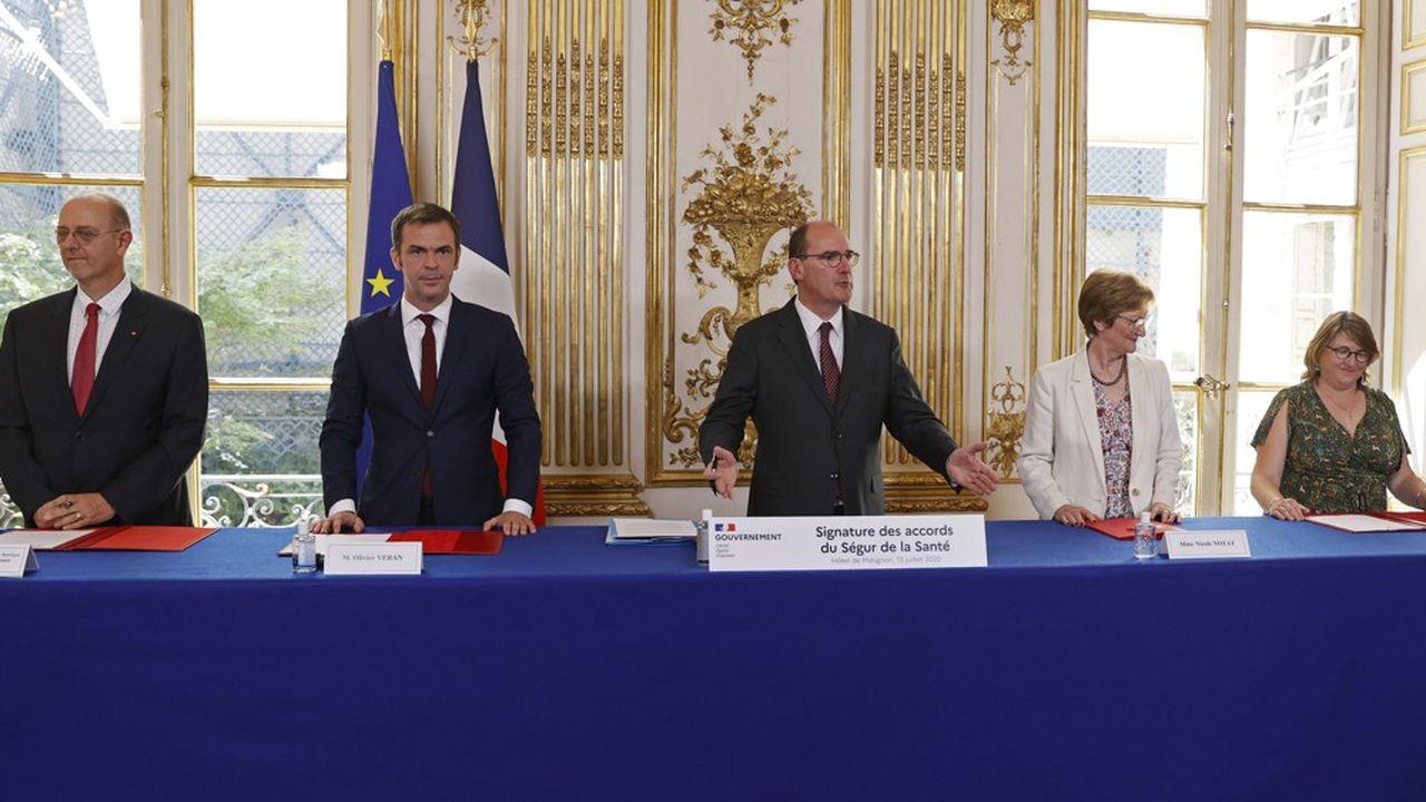 Une semaine après les accords salariaux, Olivier Véran annonce une série de mesures sur les autres volets du Ségur.