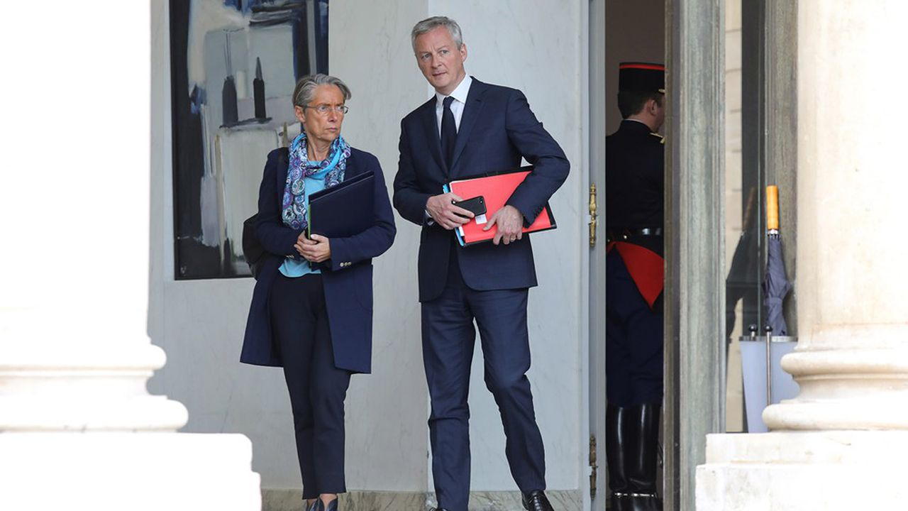 La ministre du Travail, Elisabeth Borne, et le ministre de l'Economie, des Finances et de la Relance, Bruno Le Maire.