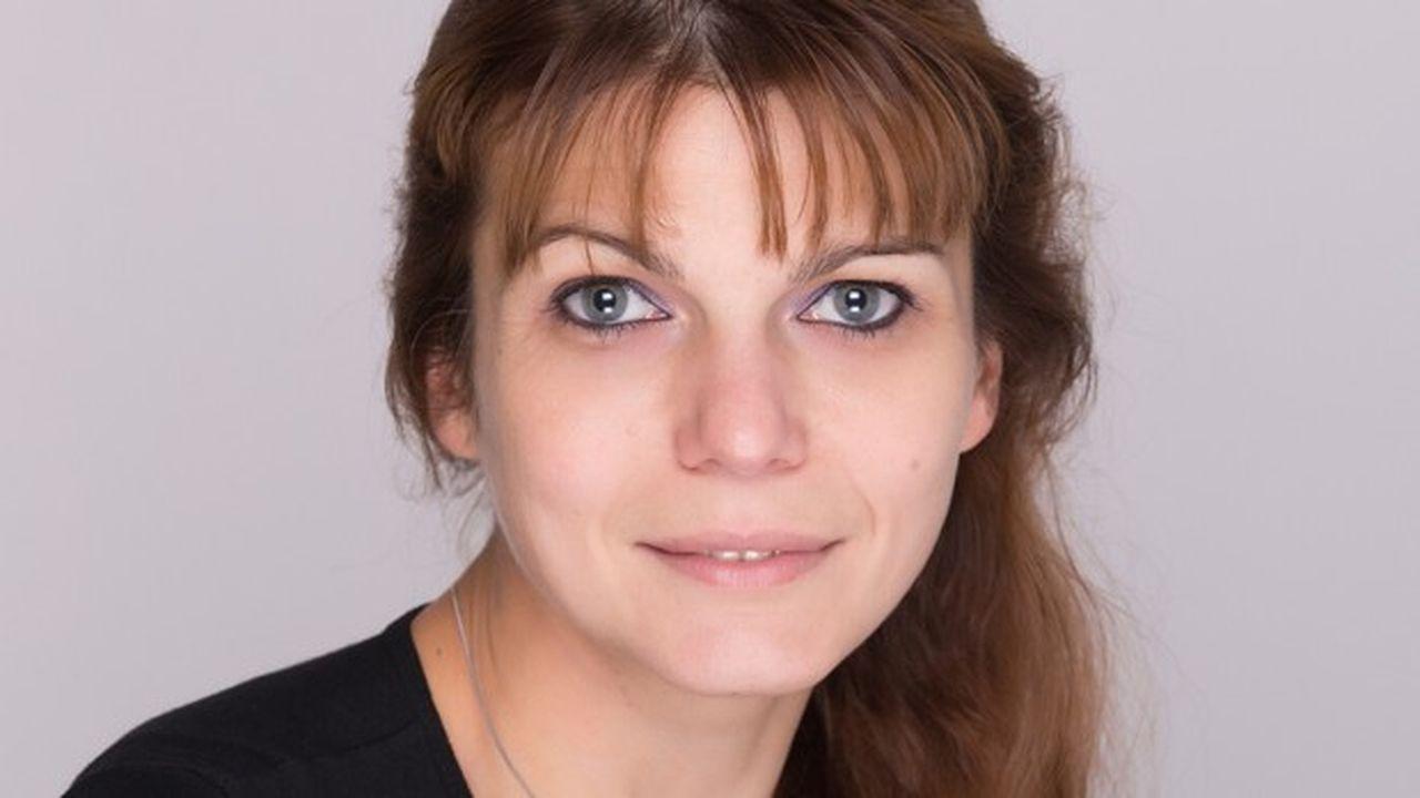 Karine Artus est une experte en restructuration d'entreprises traversant une crise économique.