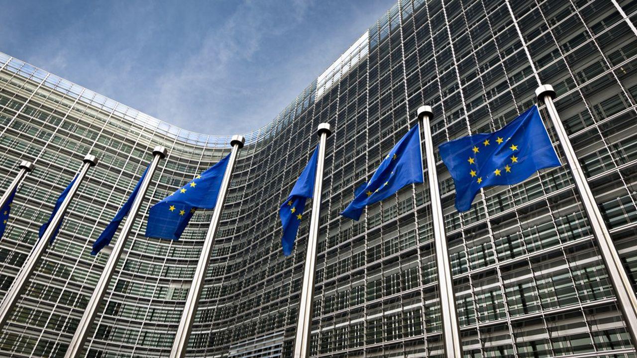 Valdis Dombrovskis, vice-président de la Commission européenne, a chargé l'EFRAG de réfléchir à la mise en place d'un référentiel européen pour des normes extra-financières.