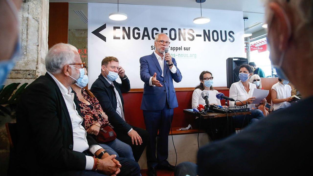 Le journaliste Laurent Joffrin lors de la conférence de presse de lancement de son mouvement.
