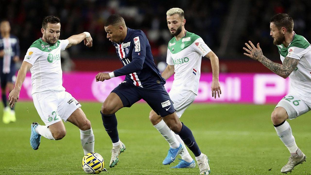 Le PSG, qui avait étrillé Saint-Etienne en janvier lors d'un quart de finale de Coupe de la Ligue (6-1), retrouve les Verts ce vendredi en finale de la Coup de France. Déjà champion, le PSG, qui jouera la finale de la Coupe de la Ligue contre Lyon le 31juillet, est en route pour un triplé.