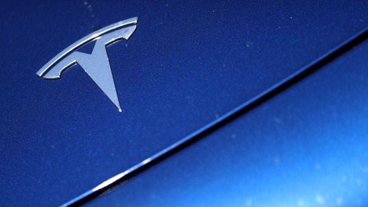 Alors que le consensus de Wall Street misait sur une perte au deuxième trimestre, Tesla a dégagé un bénéfice de 104millions de dollars, suivant trois autres trimestres dans le vert.