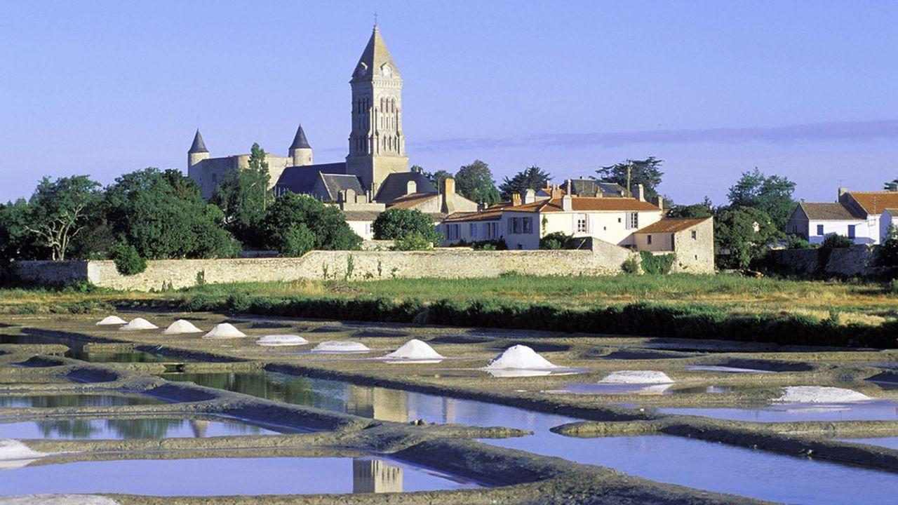 L'île de Noirmoutier, sorte « d'île de Ré vendéenne » selon Maître Jean-Charles Veyrac, est connue pour la beauté de ses paysages.