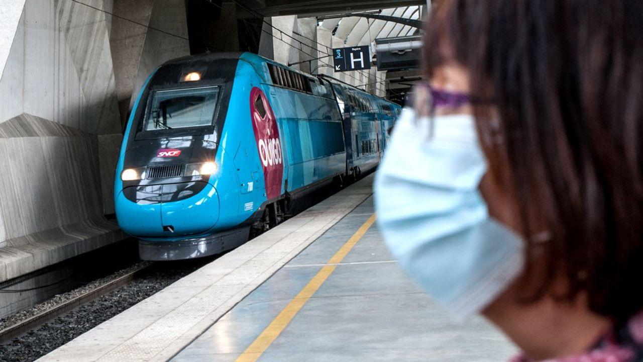 Le TGV sort de la crise sanitaire durablement fragilisé, avec une clientèle affaires (la plus contributrice) qui a drastiquement réduit ses déplacements, et qui ne semble pas près de revenir dans les trains.