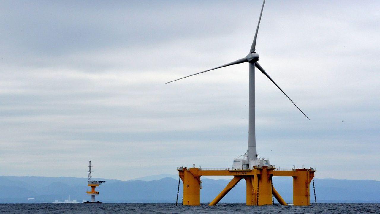 Très en retard en matière d'énergies renouvelables, le Japon accélère la construction d'éoliennes en mer. Notre photo montre des installations dans la province de Fukushima.
