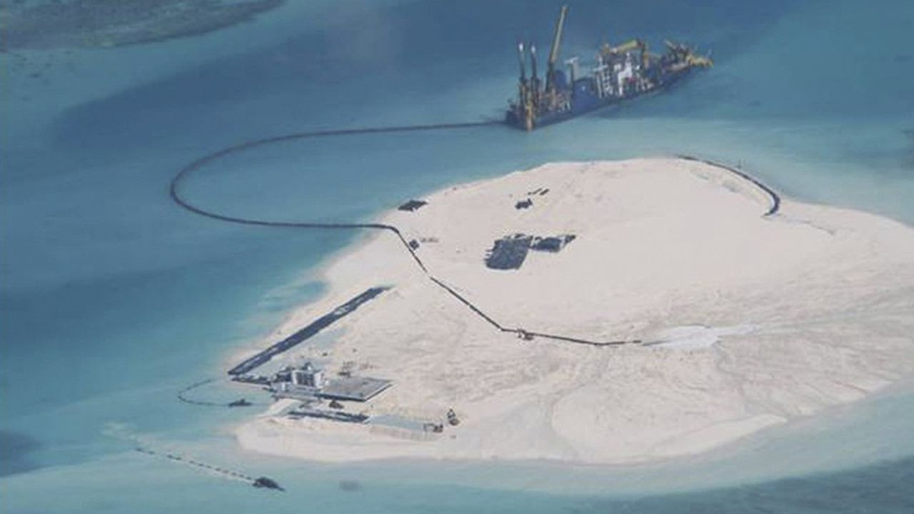Les aménagements des atolls ont été menés au pas de charge par la Chine au cours des dernières années. En 2014 (notre photo), beaucoup étaient encore déserts.