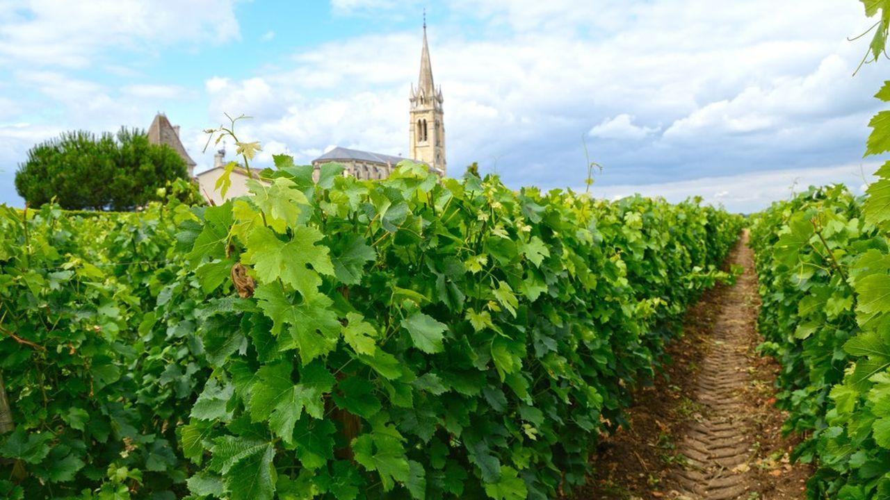 La Fédération des exportateurs de vins et spiritueux (FEVS) estime que les représailles américaines coûteront 300millions de dollars sur une année pleine.