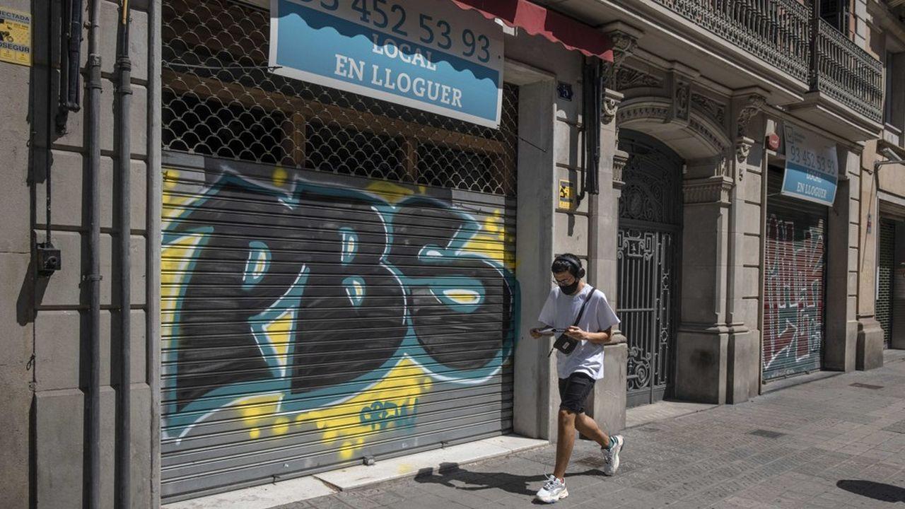 Coronavirus: la Catalogne ferme les discothèques, couvre feu pour les restaurants