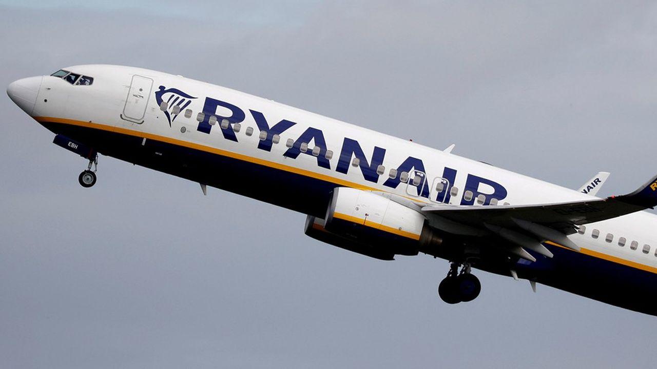 Lechiffre d'affaires de Ryanair s'est effondré à 125millions d'euros au premier trimestre de son exercice décalé, contre 2,3milliards un an plus tôt.