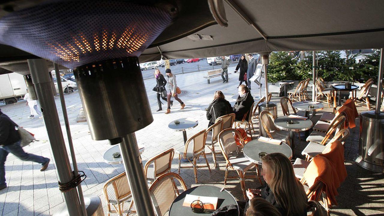 Les terrasses chauffées seront interdites à compter de l'hiver 2021-2022
