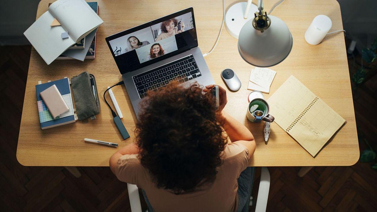 Parmi les freins au télétravail, 84% des patrons de PME craignent qu'il «limite la cohésion des équipes et risque d'isoler les salariés».