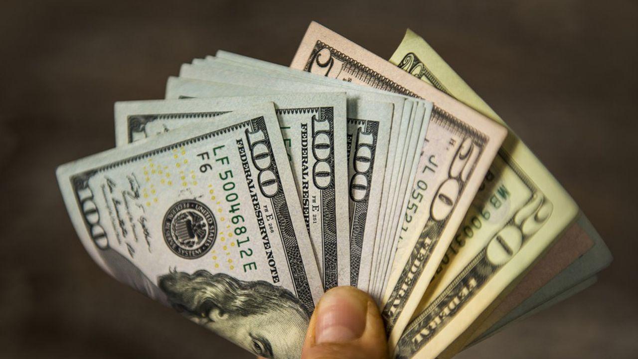 Le billet vert attire moins les investisseurs.