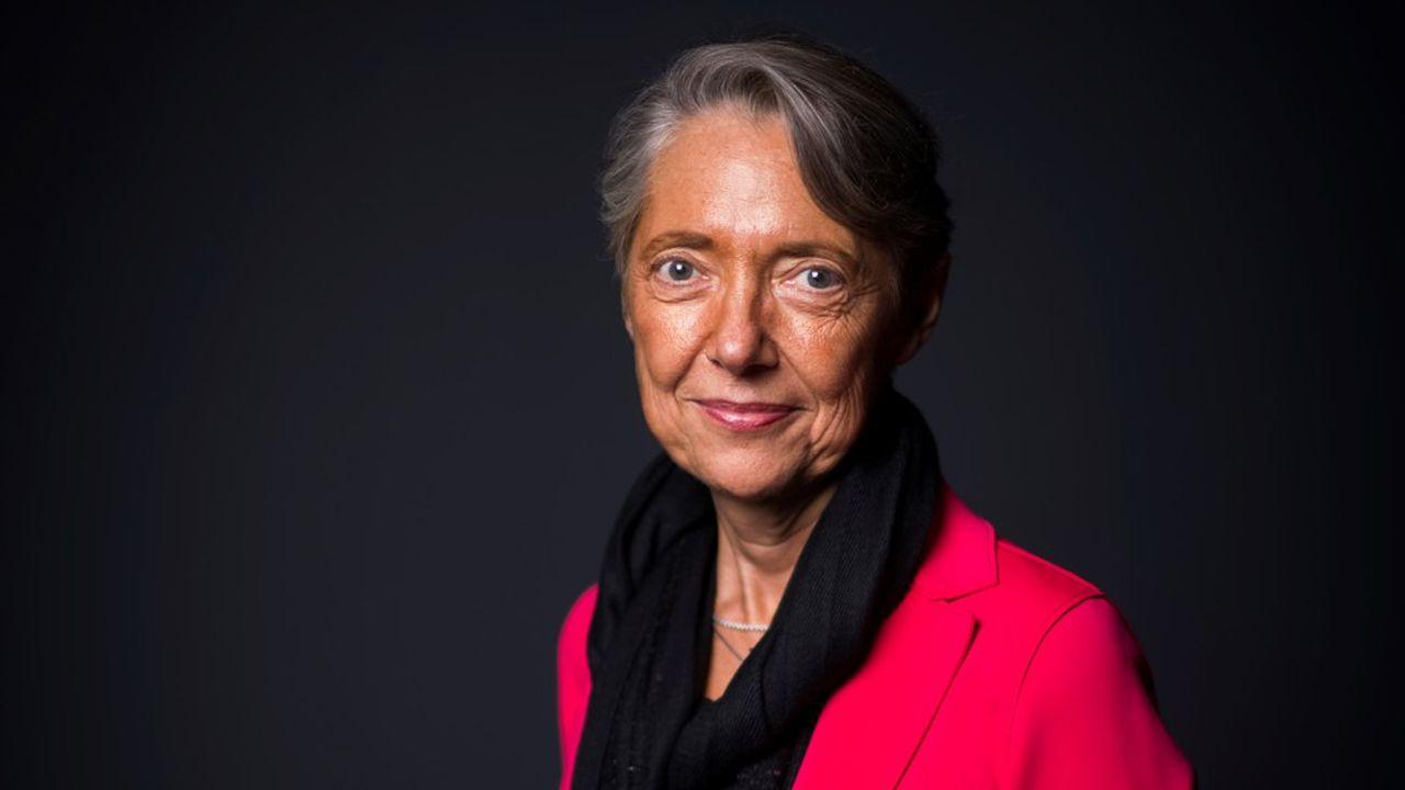 Elisabeth Borne a succédé à Muriel Pénicaud rue de Grenelle il y a trois semaines.