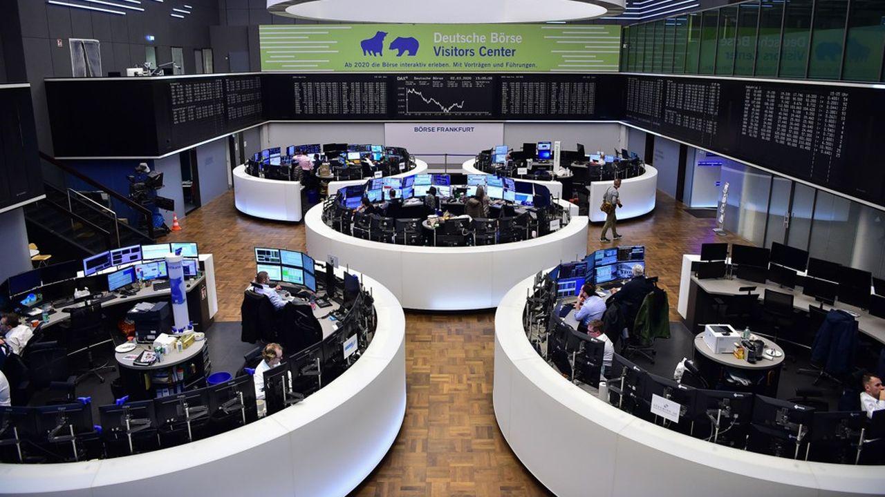 Traders à la Bourse de Francfort.
