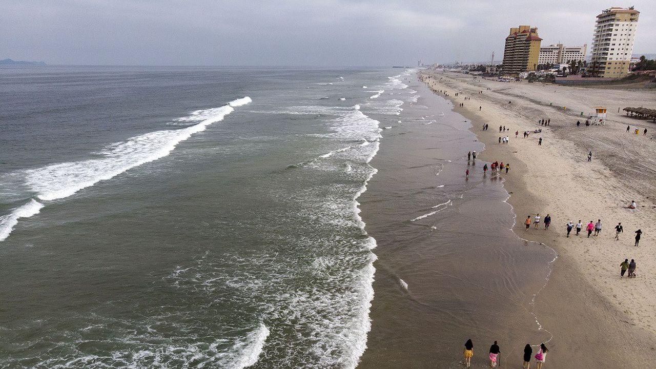 Les images de plages presque vides, comme ici au Mexique, se sont multipliées ces dernières semaines.