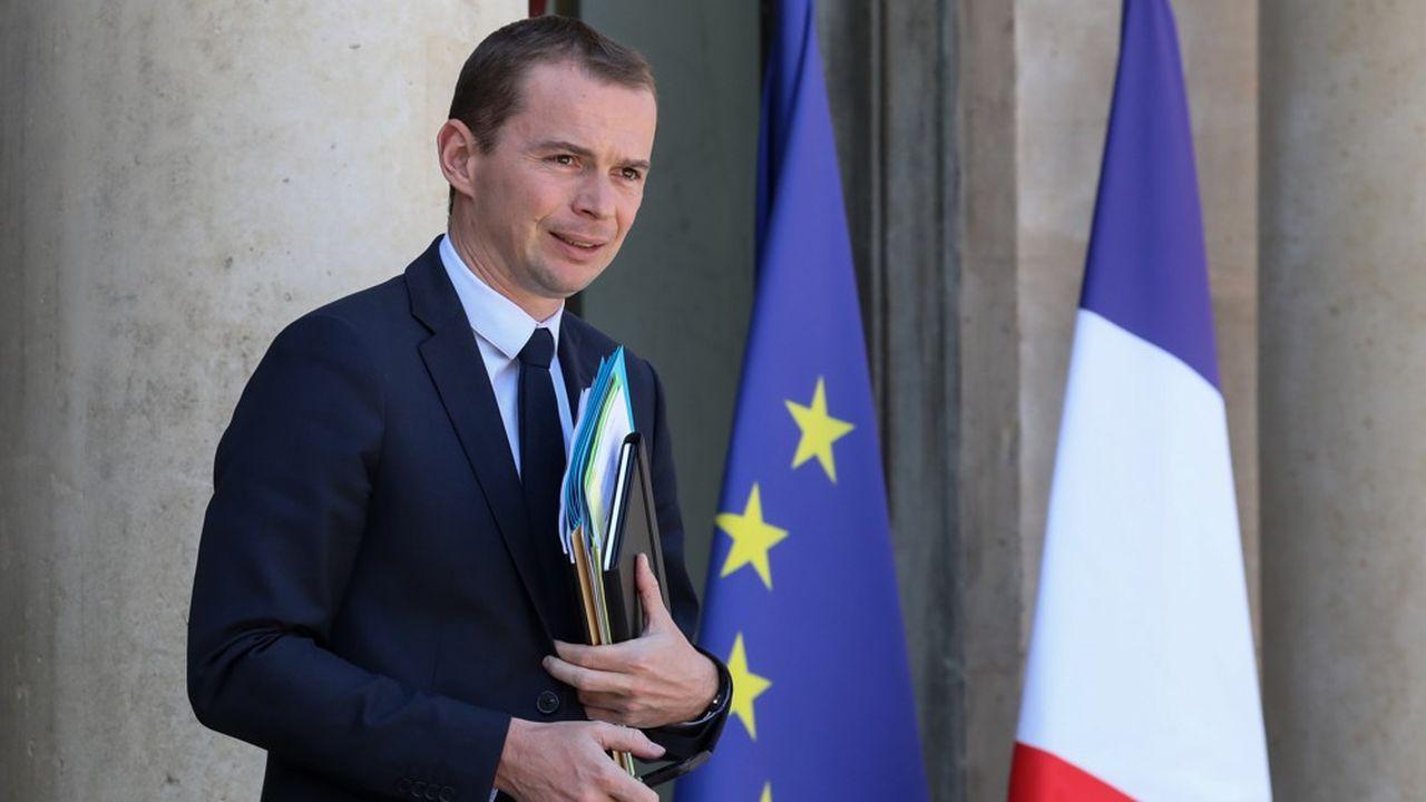 Olivier Dussopt, le ministre chargé des Comptes publics, cherche un terrain d'entente avec les parlementaires pour réformer la fiscalité des Français ne résidant pas dans l'Hexagone.