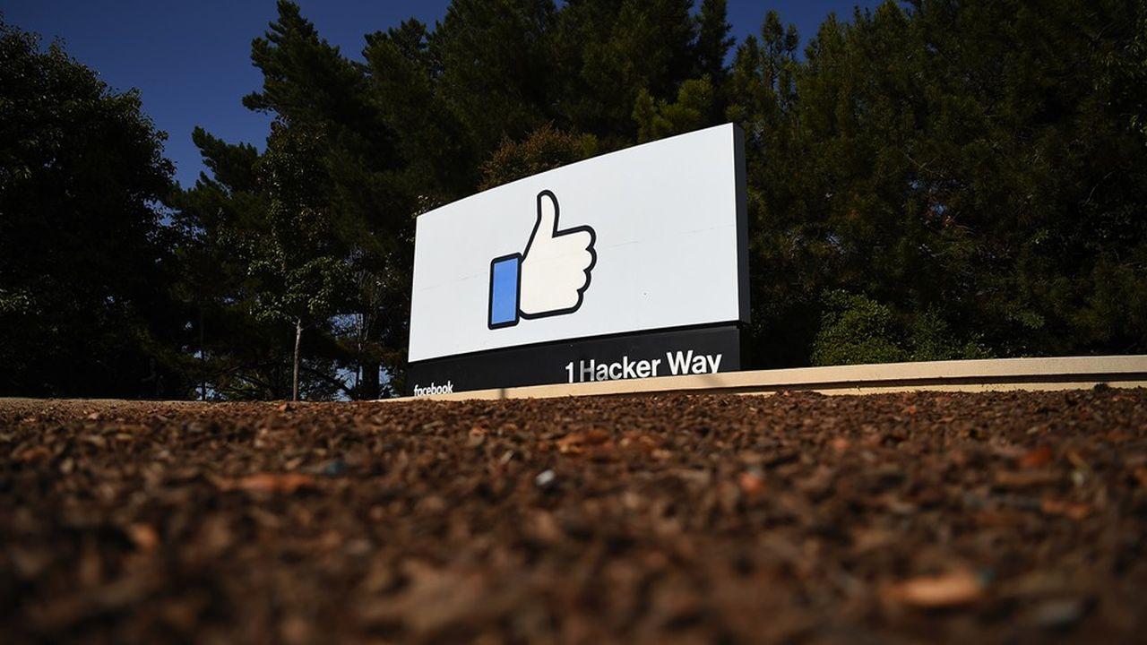 Facebook assure avoir déjà transmis 1.7millions de pages de documents depuis le début des investigations, en mars.