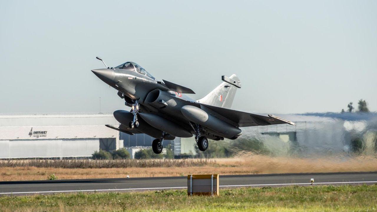 Les cinq Rafales ont décollé dans la matinée de lundi depuis l'aéroport de Bordeaux Mérignac