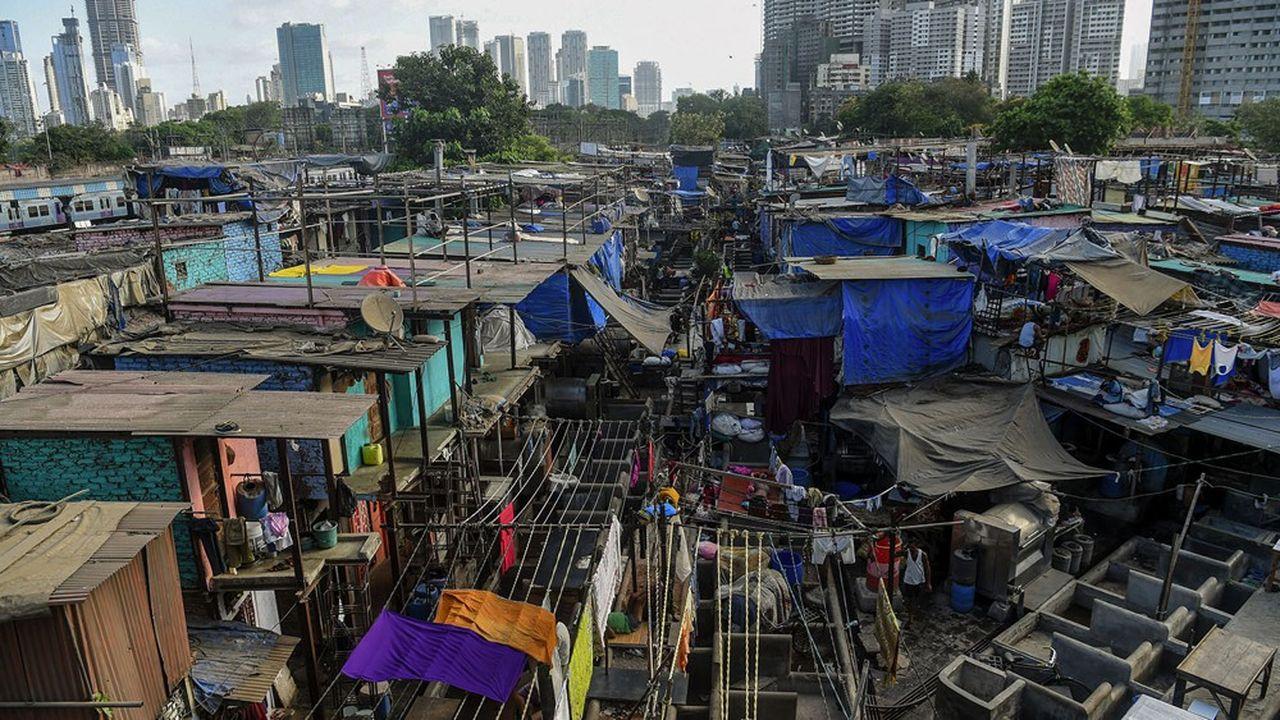 Bombay recense officiellement un peu plus de 110.000 contaminations et plus de 6.000 morts dus au Covid-19.