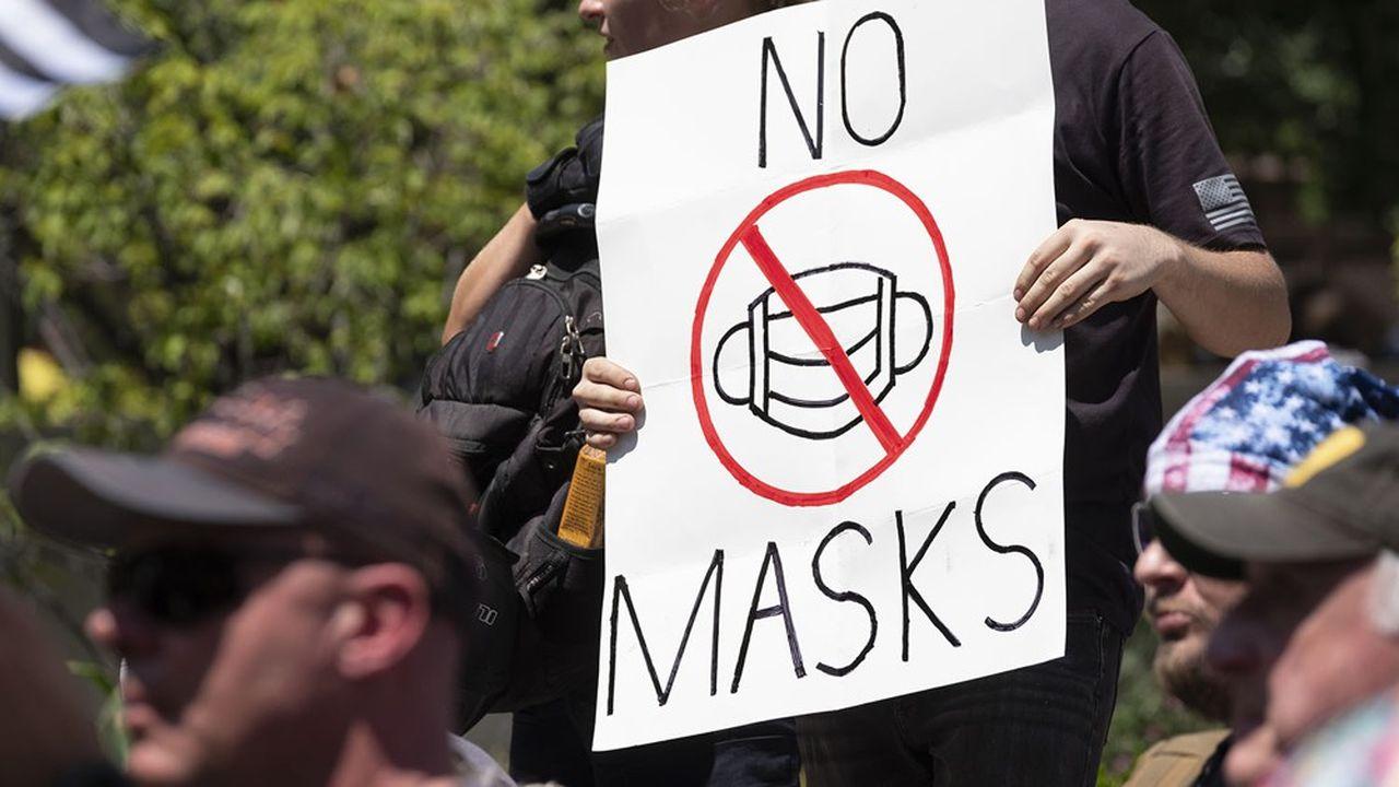 Des manifestants contre le port du masque devant le State Capitol à Colombus, dans l'Ohio, le 18 juillet dernier.