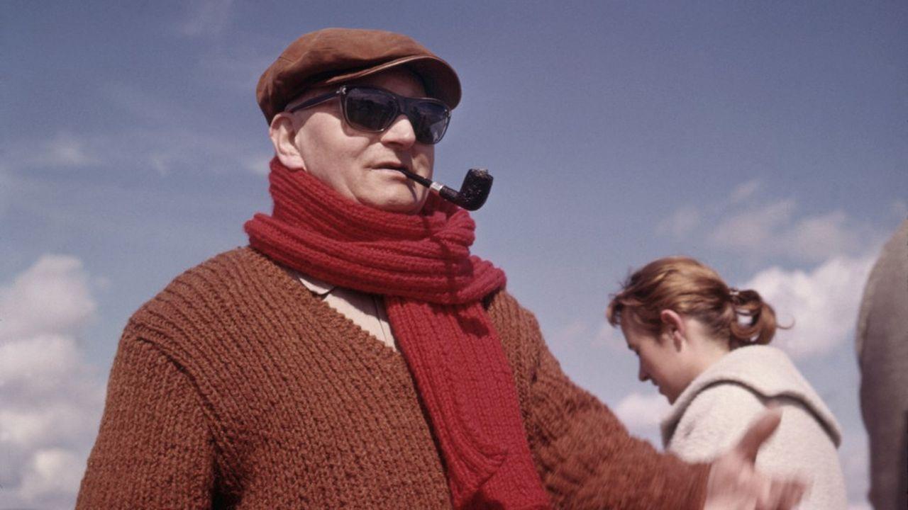 Jean Giono, photographié sur le tournage d'un de ses films en 1970.