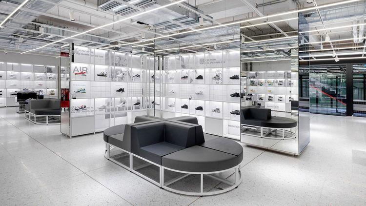 Le Sneaker Lab des Champs-Elysées
