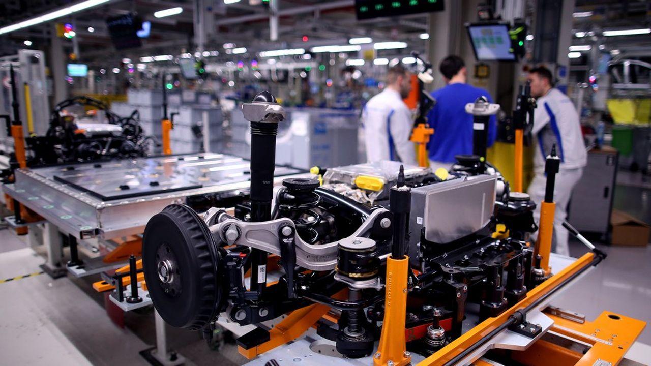 Le marché des voitures électriques représentera 1,6million de véhicules dès 2025 en Europe, ce qui laisse la place pour d'autres projets de gigafactories sur le continent.