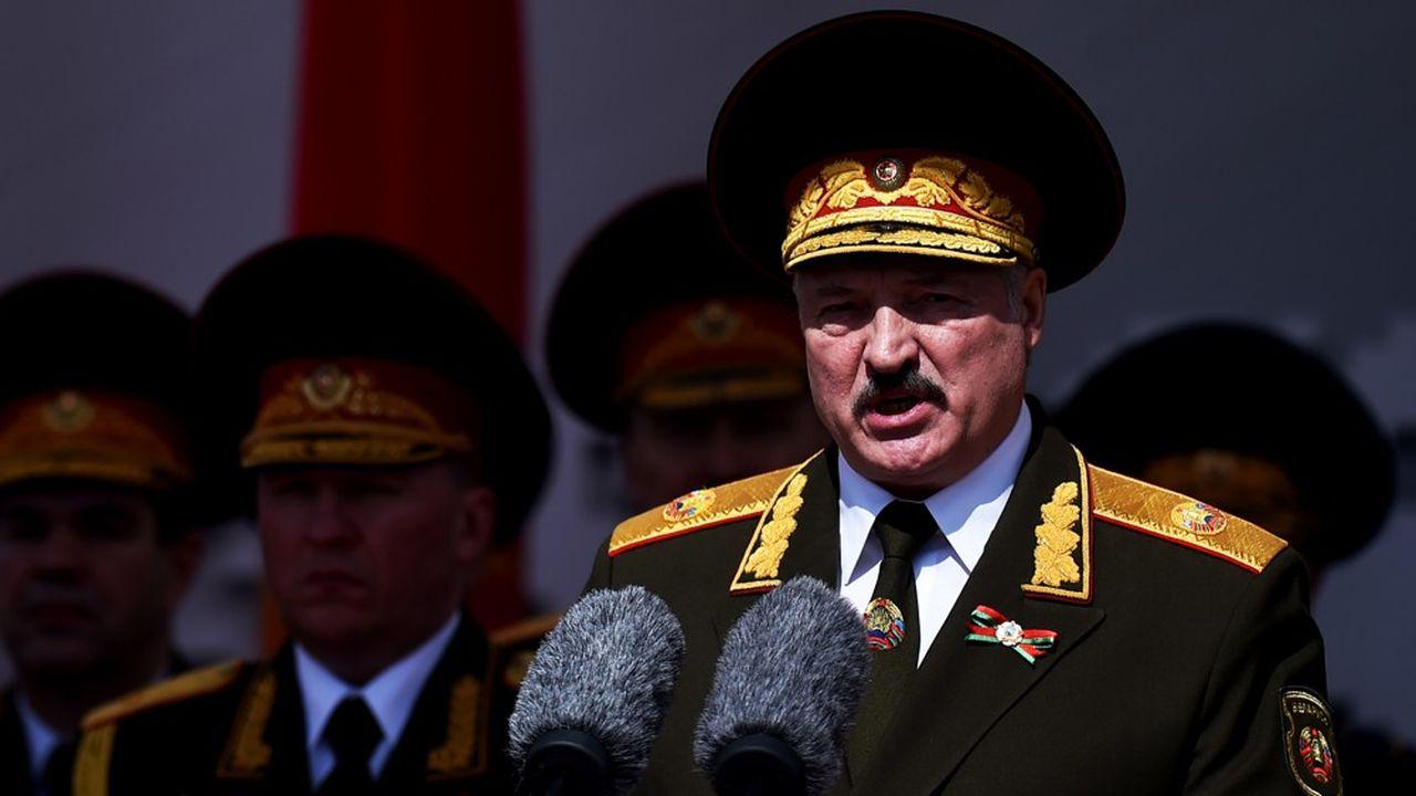 Alexandre Loukachenko, 65 ans, candidat à sa succession pour un sixième mandat après déjà vingt-six ans au pouvoir, entretient de difficiles relations avec la Russie.