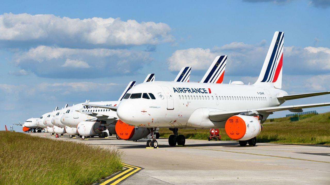 Frappé de plein fouet par le gel du transport aérien, Air France-KLM doit faire face à des pertes abyssales.