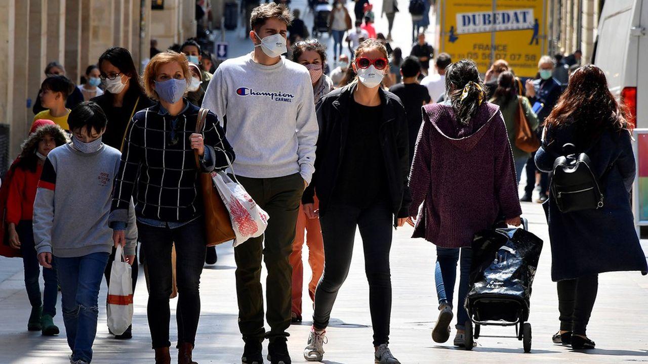 « Avec la reprise épidémique, le débat sur les gestes barrières et le port du masque reprend de plus belle »