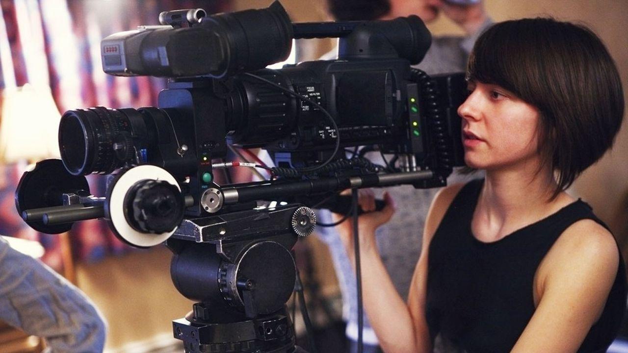 La domination masculine est plus marquée encore dans la fiction audiovisuelle, où les femmes ne représentent que 19% des réalisateurs.