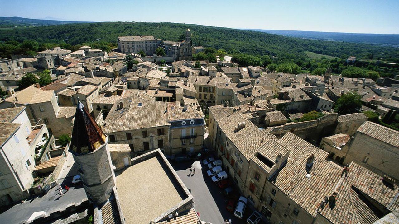 Uzès, à 80 kilomètres de Montpellier est un village très prisé par la clientèle étrangère.