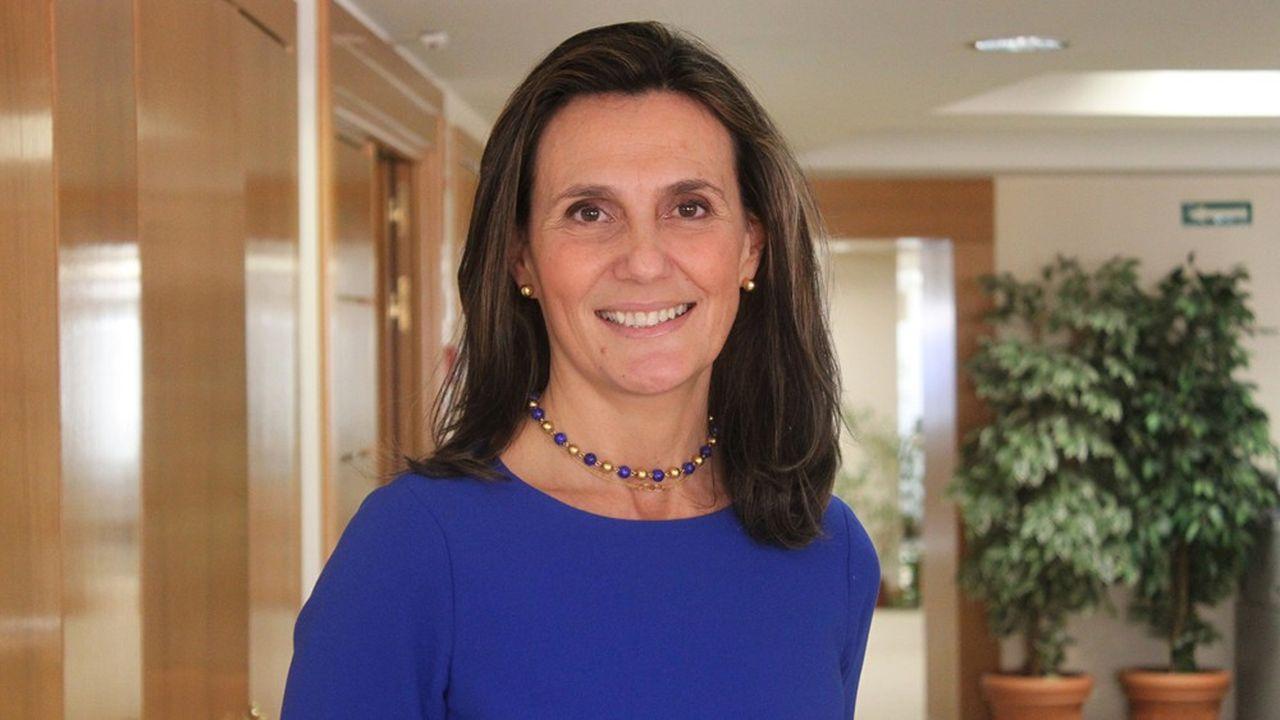 Marta Blanco Quesada, représentante du patronat espagnol, réagit aux restrictions imposées par les pays voisins aux vacances en Espagne.
