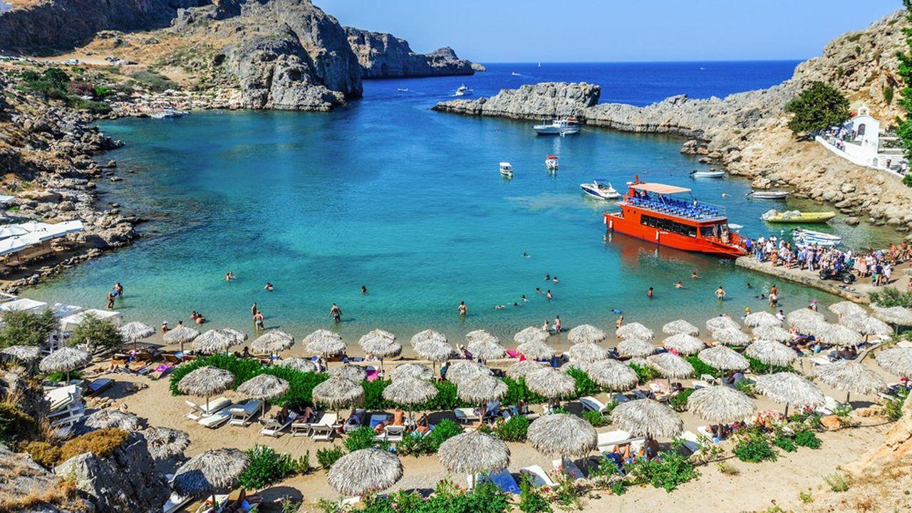 La Grèce est l'une des rares destinations étrangères que les voyagistes français vendent « bien » dans un contexte de demande atone.