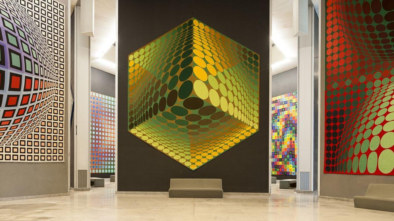 Vasarely a modelé pour Aix plus qu'un musée, un univers dans lequel son ingéniosité s'exprime partout.