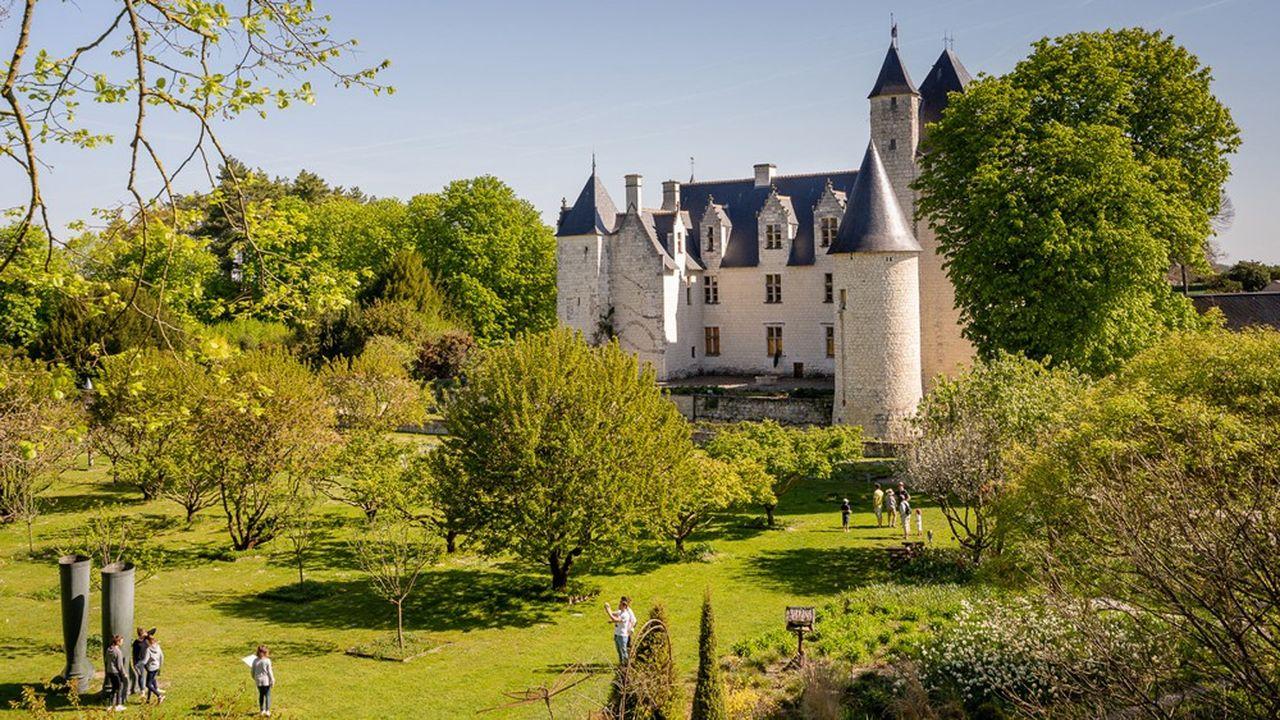 La famille Laigneau, engagée depuis 27 ans pour faire revivre le château