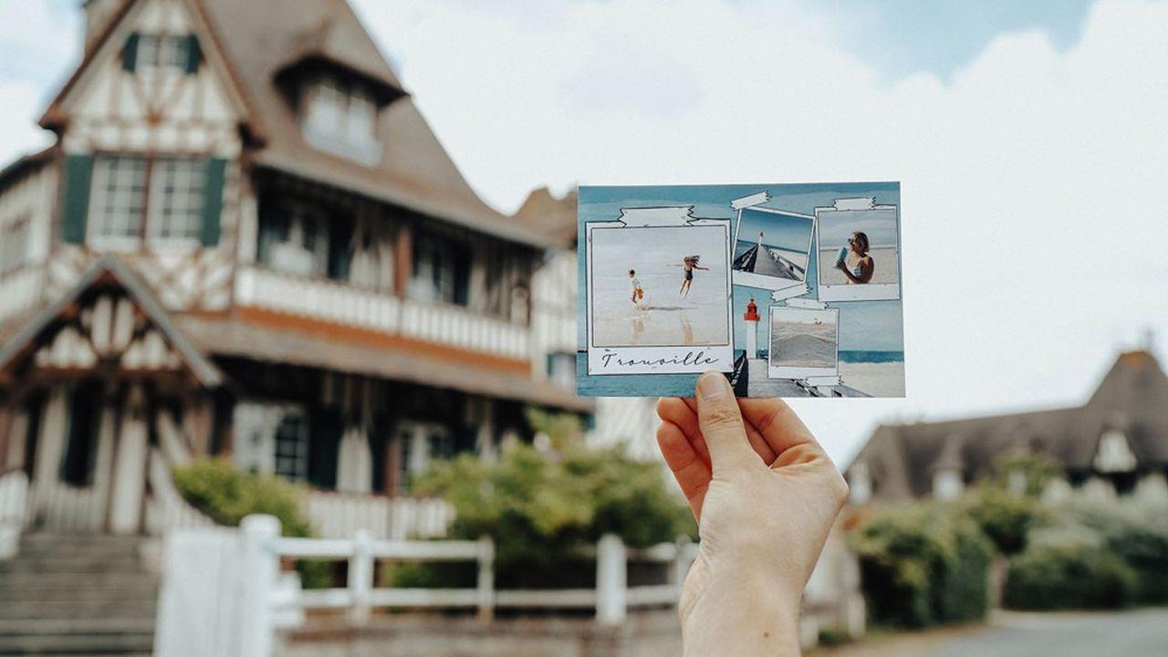 Le spécialiste de la carte postale numérique passe un bel été.