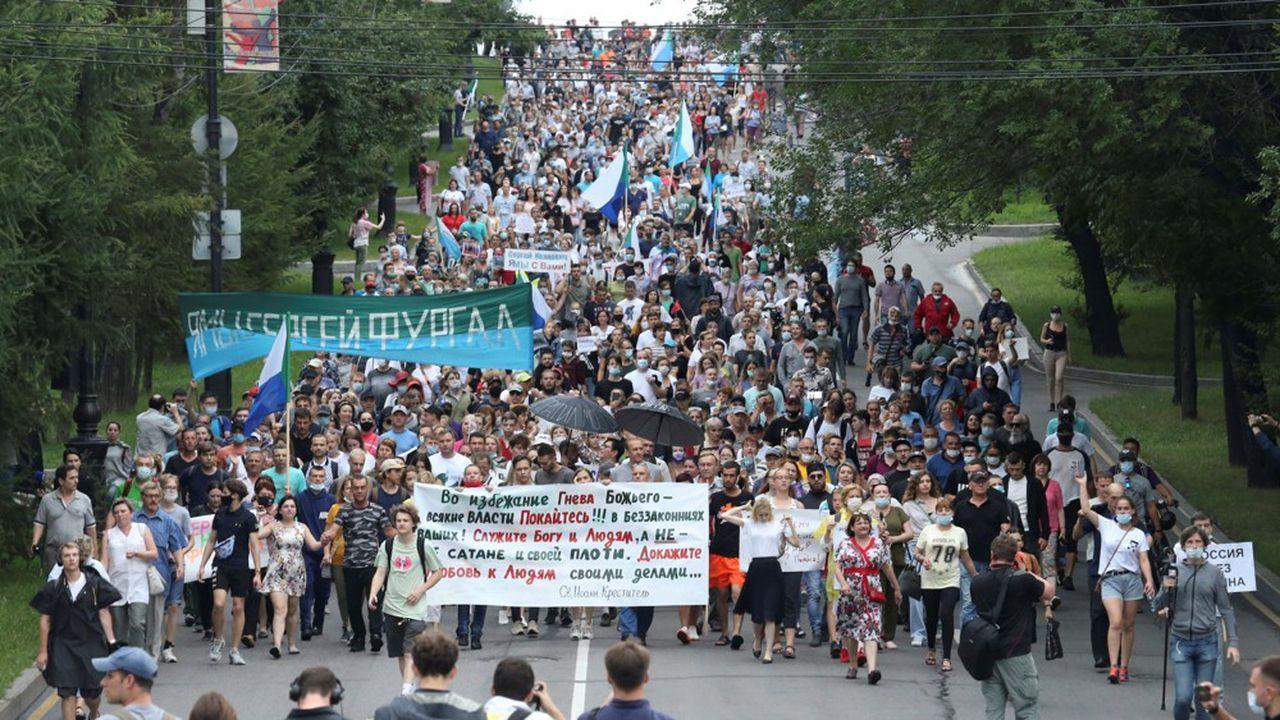 Des dizaines de milliers d'habitants de la ville de Khabarovsk ont de nouveau participé à une contestation inédite du régime, samedi.